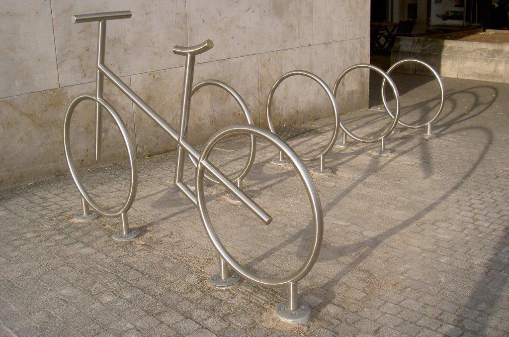 Fahrradständer im Stadtzentrum