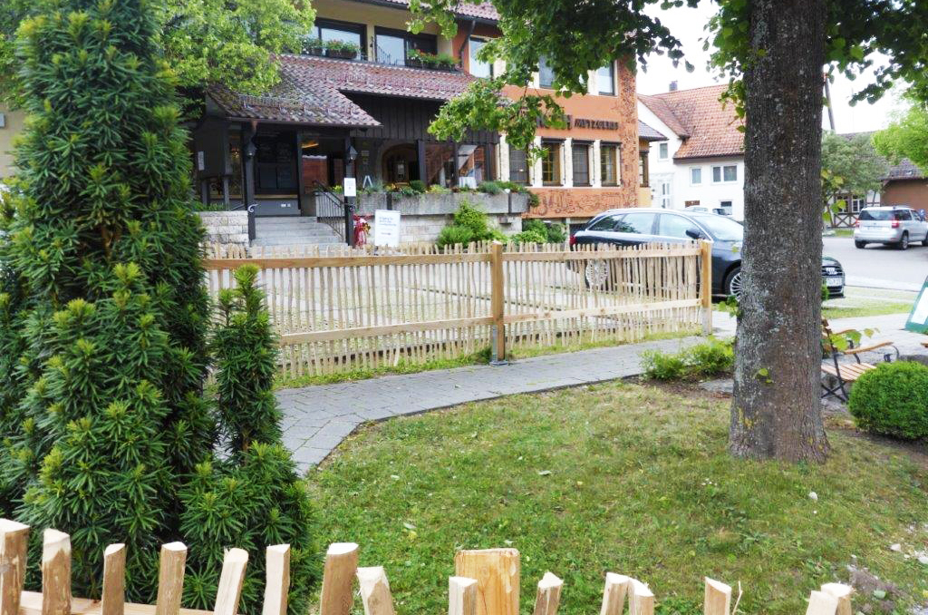 Flexibler Schutzzaun für Biergarten St. Johann-Gächingen
